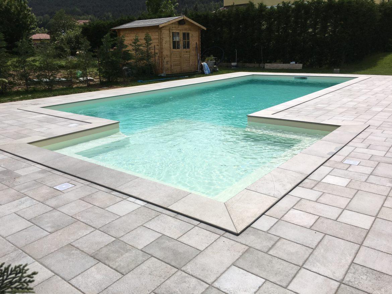 Piscina privata con area relax aepiscine - Costruzione piscina interrata ...