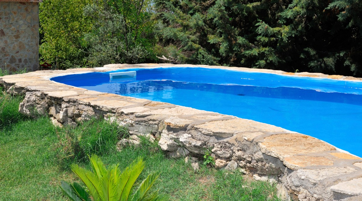 Piscina interrata privata a villanova d 39 asti aepiscine - Costruzione piscina interrata ...