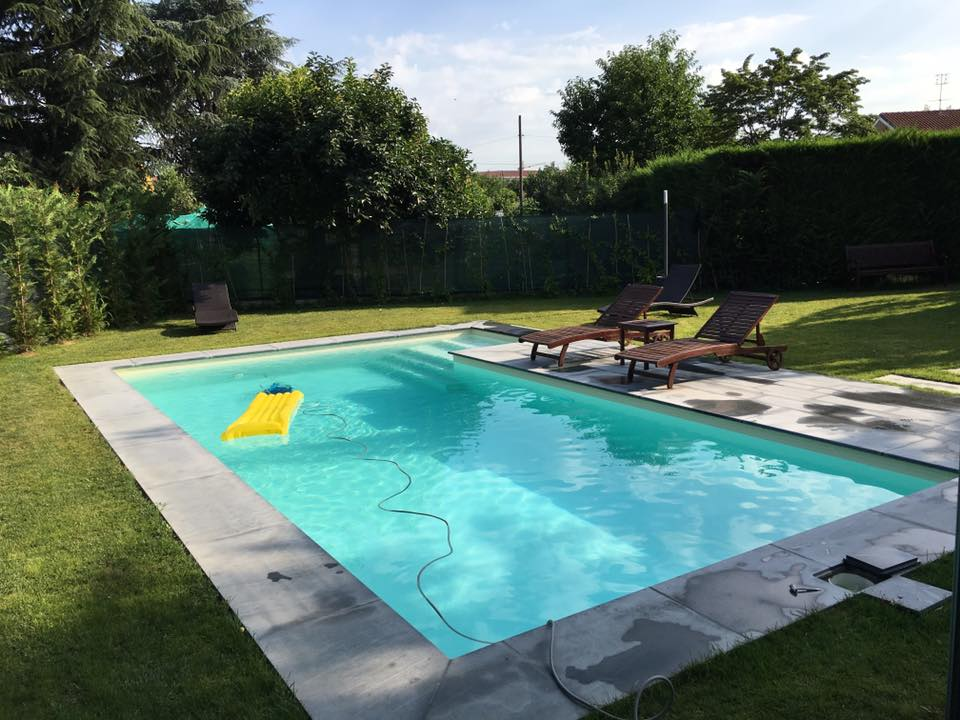 piscina privata a skimmer sfioratore - aePiscine