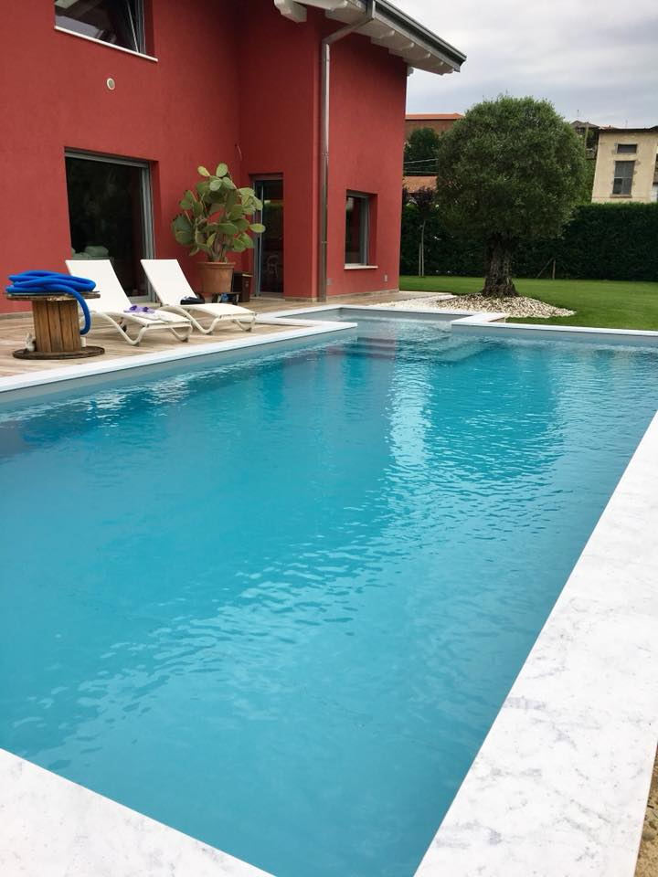 piscina interrata con ara relax